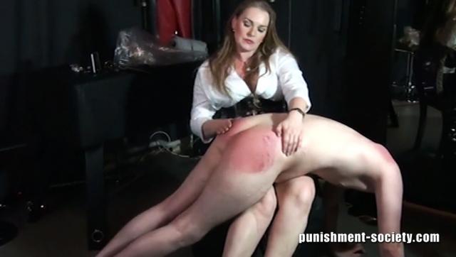 Femdom lady dolora